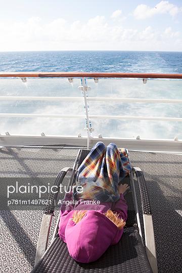 An Bord - p781m1497621 von Angela Franke