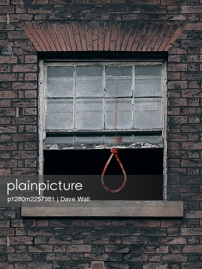 Bloody hangman's noose behind open window  - p1280m2257981 by Dave Wall