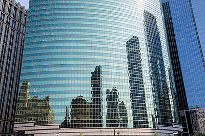 Chicago's Architecture - p535m1162918 by Michelle Gibson