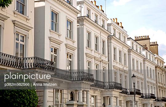 Häuserzeile, London - p382m982566 von Anna Matzen