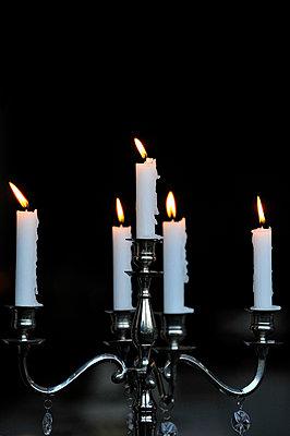 Kerzenschein - p949m658173 von Frauke Schumann