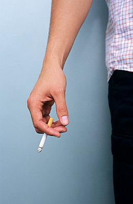 Rauchende Hand - p2200388 von Kai Jabs