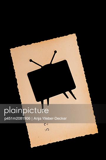 Ausgestanzter Fernseher  - p451m2081906 von Anja Weber-Decker