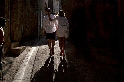 Two Lovers - p1307m2020350 by Agnès Deschamps