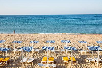 Beach - p535m2020497 by Michelle Gibson