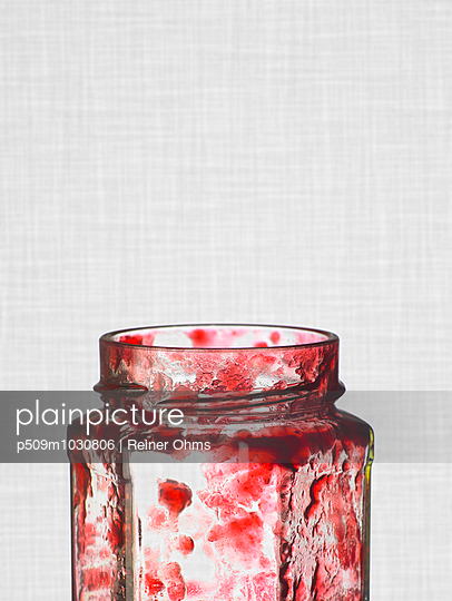 Marmeladenglas - p509m1030806 von Reiner Ohms