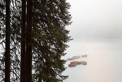 Boote am Pragser Wildsee - p1383m1496363 von Wolfgang Steiner