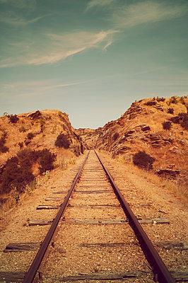 Alte Bahnstrecke in Neuseeland - p470m2148495 von Ingrid Michel