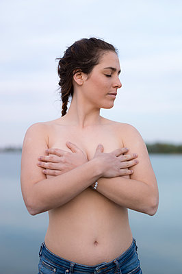 Topless young woman - p552m1362097 by Leander Hopf