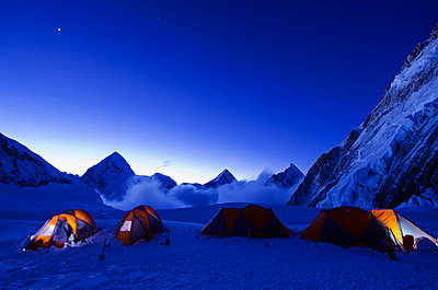 Asia, Nepal, Himalayas, Sagarmatha National Park, Solu Khumbu Everest Region, tents at Camp 1 on Mt Everest - p652m716830 by Christian Kober