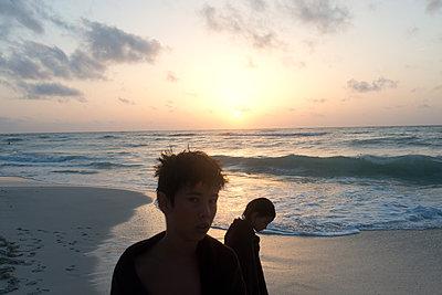 Kinder am Strand - p1116m1217039 von Ilka Kramer