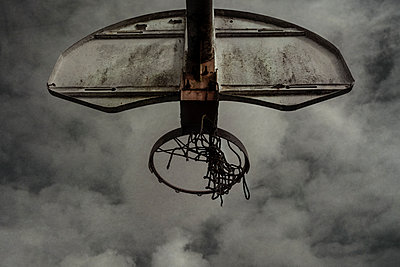 Old abandoned basketball court - p1228m1119497 by Benjamin Harte