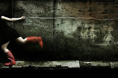 Escape - p1570m2149420 by DOROTHY-SHOES