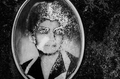 Woman Medallion - p1601m2173201 by Isabelle Scotta