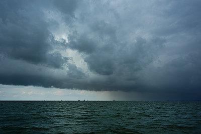 bad weather over the Waddensea - p1132m1486458 by Mischa Keijser
