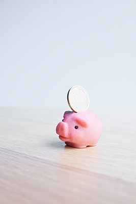 Money pig - p454m2245316 by Lubitz + Dorner