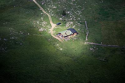 Berghütte Luftbild - p354m1133756 von Andreas Süss