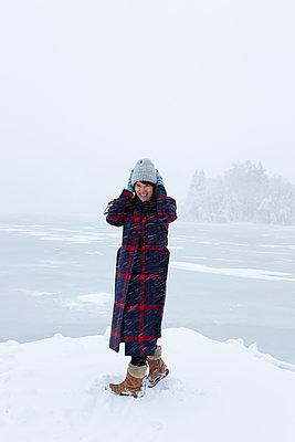 Trotz Schnee und Wind - p454m2071797 von Lubitz + Dorner
