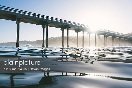 p1166m1524975 von Cavan Images