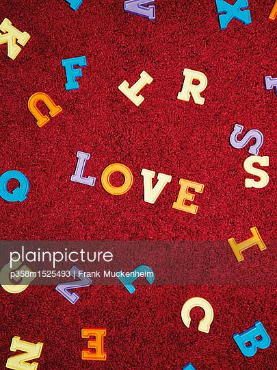 Love - p358m1525493 von Frank Muckenheim