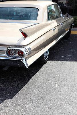 Alter Cadillac - p045m826050 von Jasmin Sander