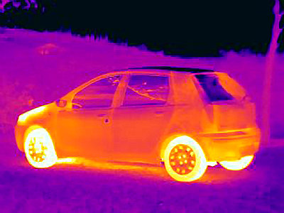 Thermal image of car - p429m756443 by Joseph Giacomin