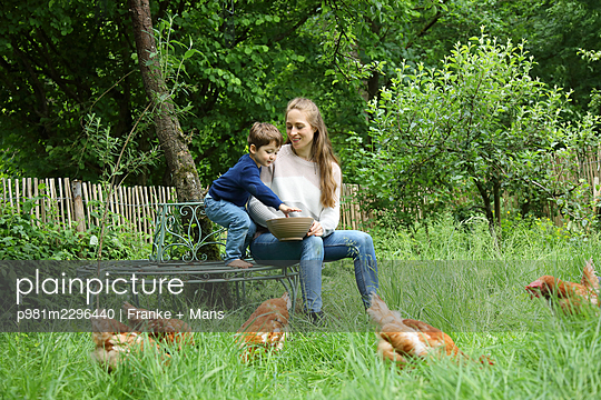 p981m2296440 by Franke + Mans