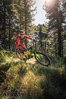Durch den Wald - p1352m1223535 von Kilian Reil