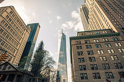 Low angle view of One World Trade Center, Manhattan, New York, USA - p924m1054047f by Dan Brownsword