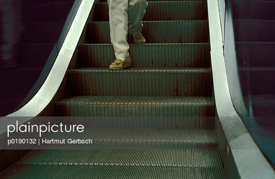 Rolltreppe - p0190132 von Hartmut Gerbsch