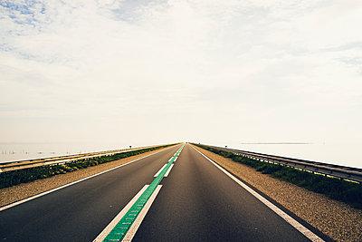 Road across the IJsselmeer, Houtribdeich - p1053m2008681 by Joern Rynio