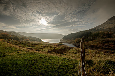 Peak District Dovestones Reservoir - p1228m1072576 by Benjamin Harte