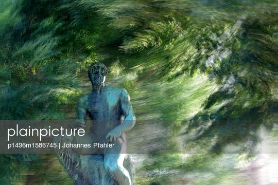 Statue - p1496m1586745 von Johannes Pfahler