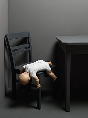 Doll fallen down - p1052m925353 by Wolfgang Ludwig