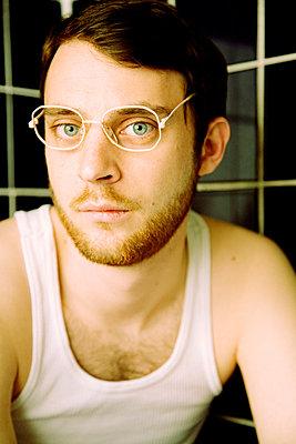 Portrait im Bad - p9040009 von Stefanie Päffgen