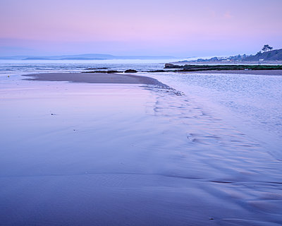 Twilight with mist coming out of River Exe, Orcombe Point, Exmouth, Devon, England, United Kingdom - p871m2113748 by Baxter Bradford