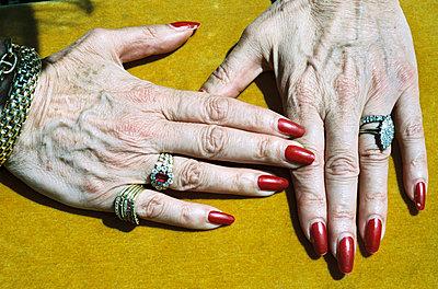 Red fingernails - p870m1032437 by Gilles Rigoulet