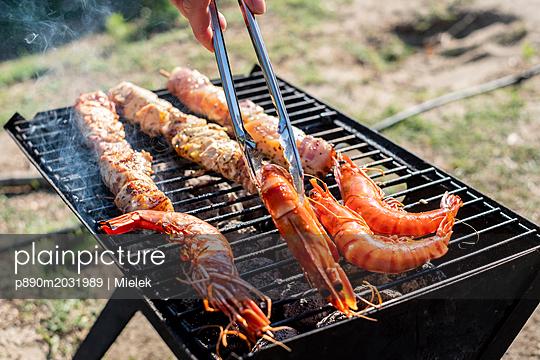Gourmet-Grillen - p890m2031989 von Mielek