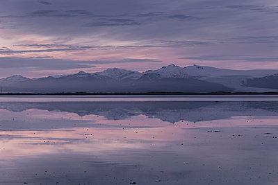 Morgendämmerung am Meer - p1585m2158562 von Jan Erik Waider