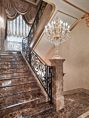 Marble staircase in luxury villa - p390m1115632 by Frank Herfort