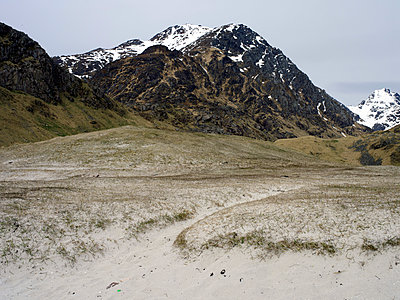 Berggipfel, Lofoten - p945m1497428 von aurelia frey