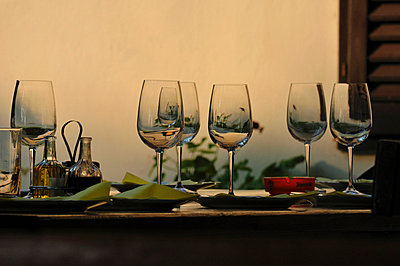 gedeckter Tisch  - p9791676 von Schickhofer