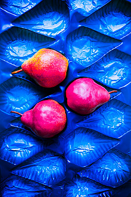 Red pears - p1149m1590679 by Yvonne Röder