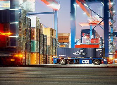 Containerhafen - p416m991090 von Dominik Reipka