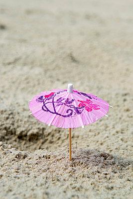 Cocktail parasol - p451m1057396 by Anja Weber-Decker