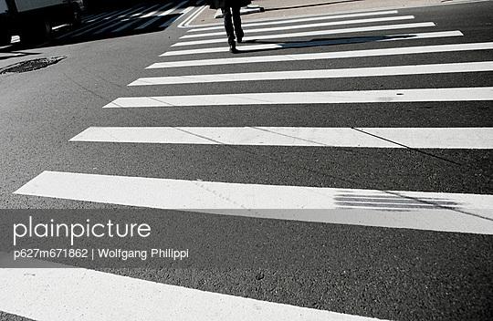 zebrastreifen in new york - p627m671862 by Wolfgang Philippi