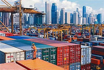 Containerterminal in Singapur - p1099m882832 von Sabine Vielmo