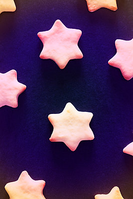 Christmas cookies - p1149m2125260 by Yvonne Röder
