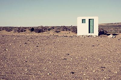 Small hut - p1162m956463 by Ralf Wilken