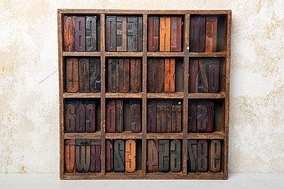 Setzkasten - p451m1563653 von Anja Weber-Decker